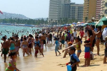 Declaran aptas las playas mexicanas para turistas