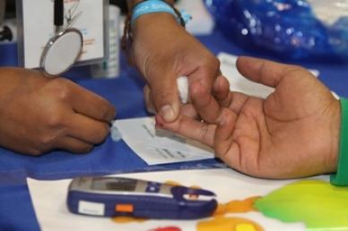 Personas con diabetes deben llevar estilo de vida saludable
