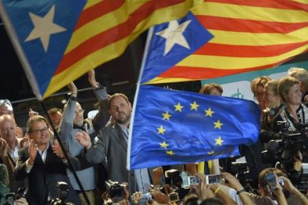 Ganan fuerzas independentistas elecciones en Cataluña
