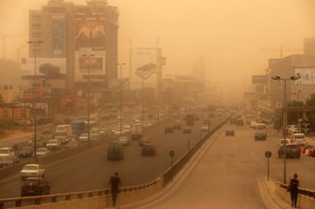 Ocho muertos y 750 hospitalizados por tormenta de arena en Líbano