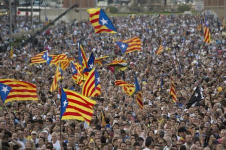 Primeros datos de conteo dan triunfo a independentistas catalanes