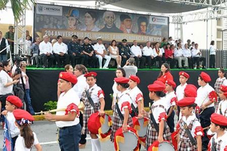 Pepe Elías invita a asistir al desfile cívico militar