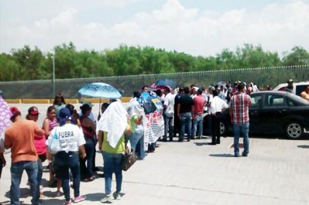 Sigue bloqueado el puente Reynosa-Hidalgo
