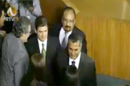 Arranca sesión del Congreso para asunción de 'El Bronco'