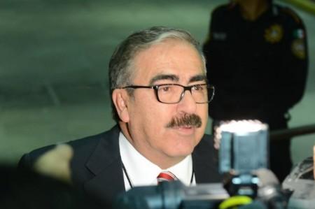 Desean autoridades éxito a Rodríguez Calderón
