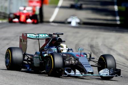 Hamilton rompe récord de velocidad en práctica del Gran Premio