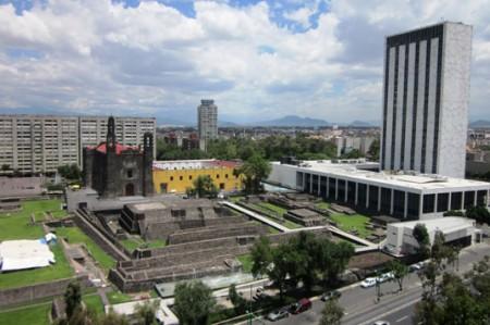 Plaza de las Tres Culturas recibe a jóvenes