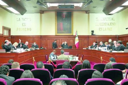 Piden a Peña Nieto postular a mujeres para la Corte de Justicia