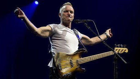 Sting dedica canción a los 43; video
