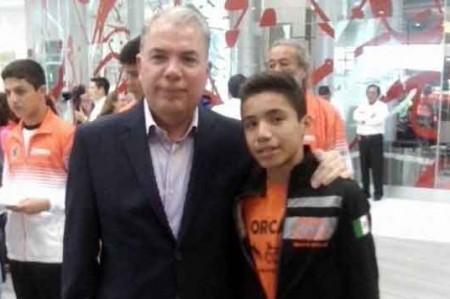 Apoya Pepe Elías al atleta Adam Eduardo