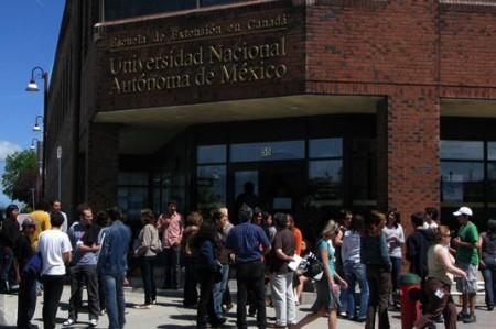 Montan ofrenda en UNAM de Canadá