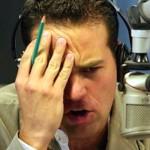 Carlos Loret de Mola sorprende con look de Maluma