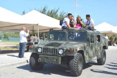 Llega a Reynosa segunda expo de fuerzas armadas; fotos
