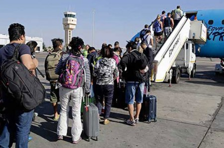 Recibe INM en Nuevo Laredo a 122 extranjeros de origen cubano
