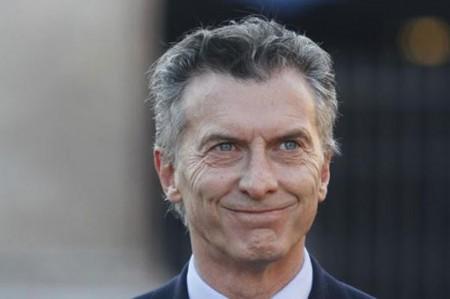 EU felicita a Macri por su triunfo en los comicios presidenciales