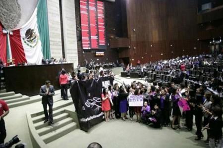 Diputadas contra feminicidios