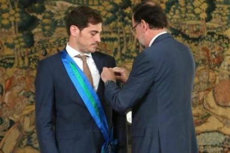 Iker Casillas recibe la Medalla al Mérito Deportivo de España