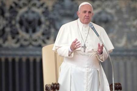Alerta policía sobre fraudes en Internet por visita del Papa