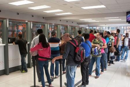 Por 'error' bancos se quedan con 4 mil 303 mdp de sus clientes