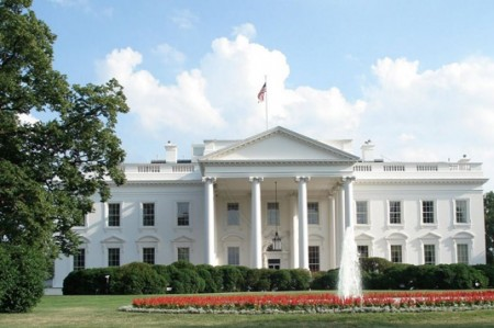 Cambios en Casa Blanca: sale jefe de comunicación