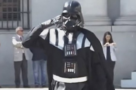 Darth Vader llega a palacio presidencial de Chile; video