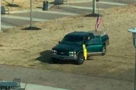 Detienen a hombre armado que ingresó a Universidad de Arkansas