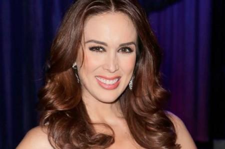 Jacqueline Bracamontes se despide de Televisa
