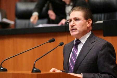 Senador panista apoya reformas y pide se concreten en beneficios