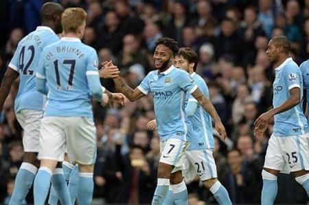 Manchester City gana 4-1 al Sunderland y está cerca del liderato
