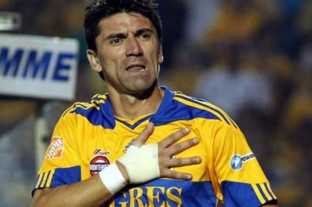 Mancilla tendrá sana competencia con Gignac por ser titular en Tigres
