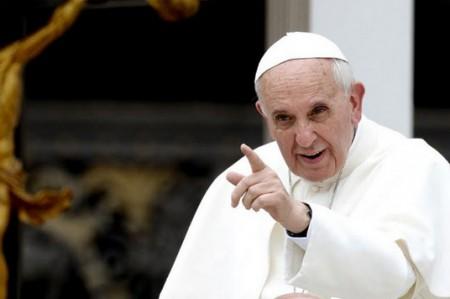 Papa urge acuerdo contra el cambio climático en cumbre de París