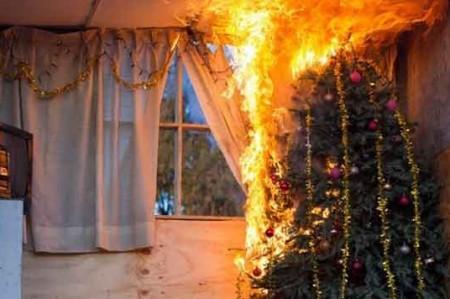 Cuidado con las extensiones de pinos navideños