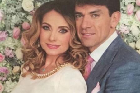Elizabeth Álvarez y Jorge Salinas presumen sus mellizos
