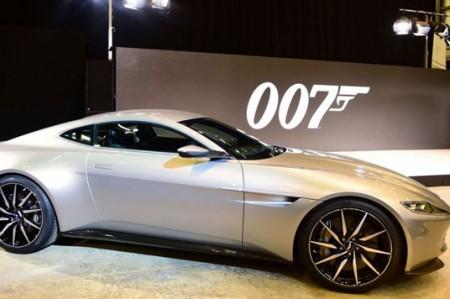 Auto de James Bond será subastado para causa social