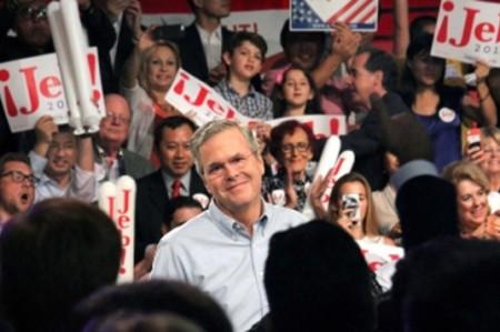Bush considera vergonzoso que Penn exalte al 'Chapo' como 'héroe'