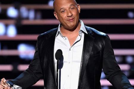 Vin Diesel le canta a Paul Walker