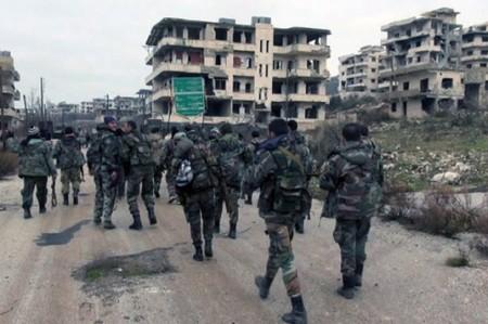 Combates entre fuerzas del régimen sirio y EI provocan al menos 135 muertos