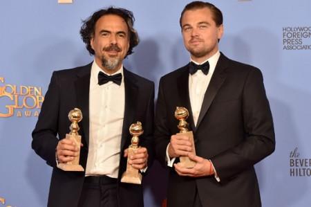 Gana 'El Negro' Iñárritu dos Globos de Oro y Leonardo DiCaprio es mejor actor