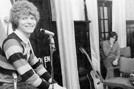 Revelan fotos inéditas de David Bowie