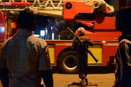 Evacuados 73 rehenes de hotel atacado en Uagadugú