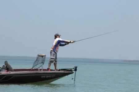 Se ahogan tres pescadores en presa de SLP