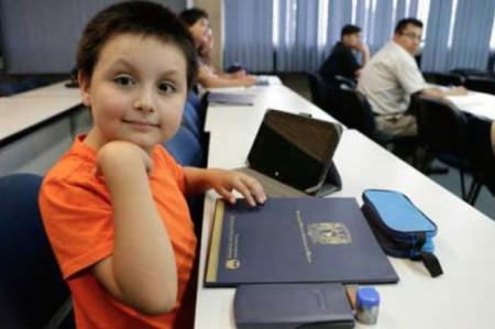Niño de nueve años concluyó con altas calificaciones diplomado en UNAM