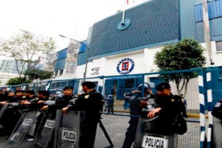 Estadio Azul vislumbra una pobre entrada