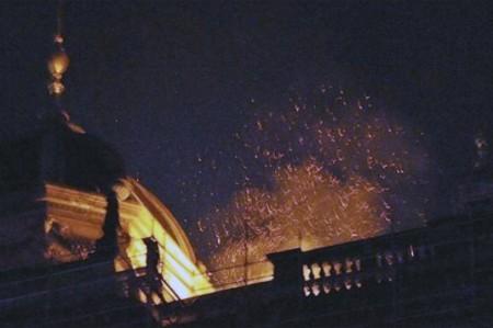 Incendio destruye parte del Museo Nacional de Praga