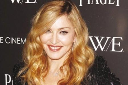Idris Elba niega romance con Madonna