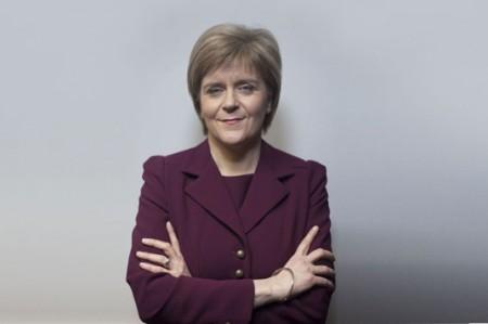 Primera ministra de Escocia se pronuncia en favor de Unión Europea