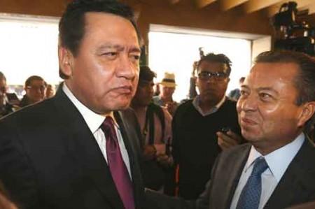 Osorio cabildea el Mando Único con diputados