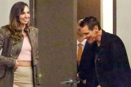 Captan a Jim Carrey en cita a 7 meses del suicidio de su ex