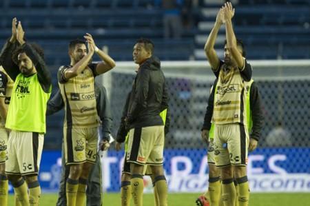 Dorados vence 3-1 a Santos y se niega a descender