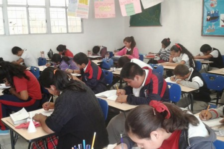 Mexicanos apoyan el nuevo modelo educativo; 6 de cada 10 lo aprueban